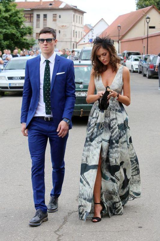 baf0bfd983e La vestimenta formal o esmoquin opcional para eventos es una de las formas  más elegantes en los códigos de vestimenta. Suele crear confusión porque  deja ...
