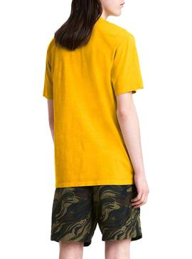 Camiseta Levis Snoopy Pocket Amarillo Relaxed