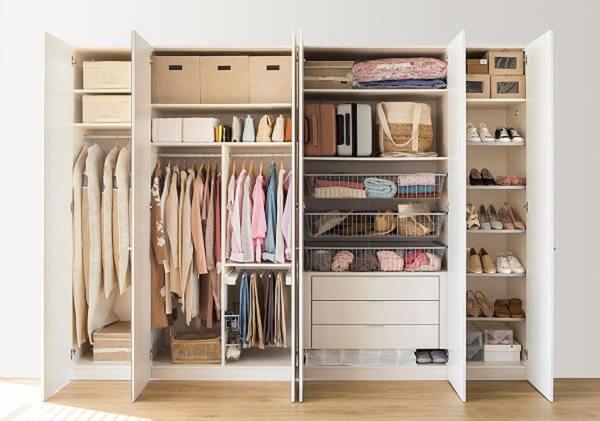 Organizar y renovar el armario en 3 pasos simples loli - Como ordenar tu armario ...